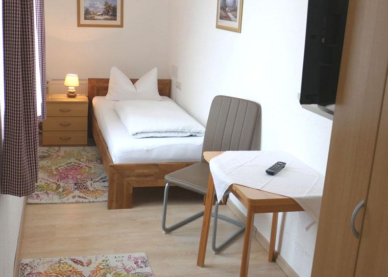 Hotel-Salleck-Garni-Abensberg-EZ-WC-Dusche